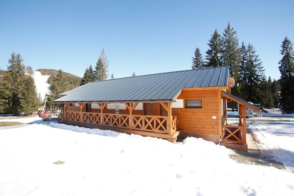 Kemp Oravice - štúdiová chata Mira v zime